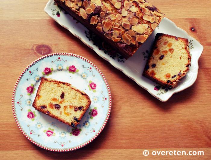 Abrikozencake met amandelspijs en rozijnen (2)