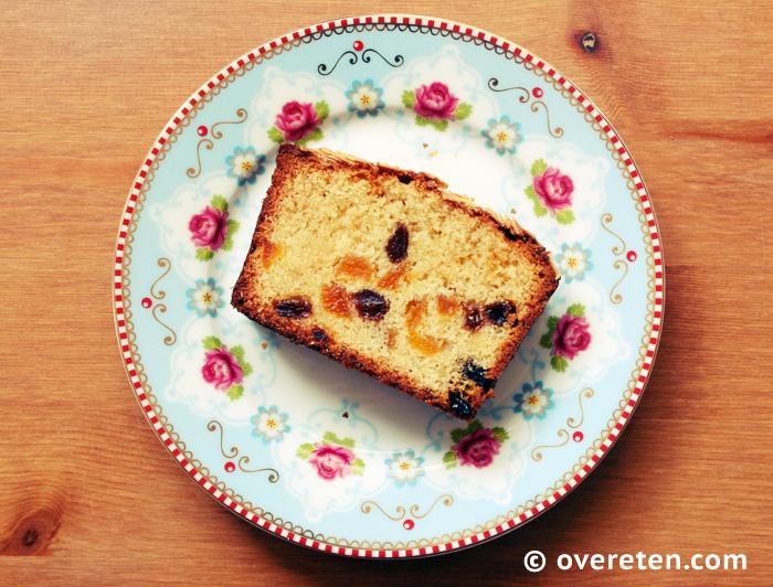 Abrikozencake met amandelspijs en rozijnen (5)