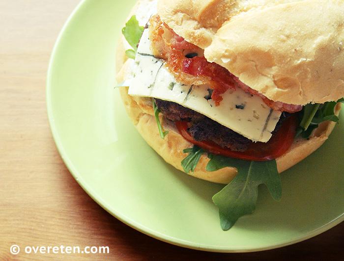 Bluecheeseburger (03)